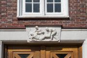 Ludwig Isenbeck: Samariterrelief