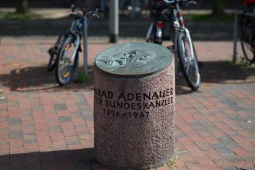 Ulrich Lindow: Adenauer-Gedenkstein