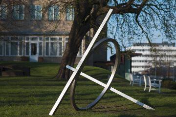 Alf Lechner: Tetraeder-Subtraktion mit Ring, (Foto: KUNST@SH/Jan Petersen)