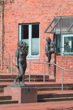 Edgar Augustin: Drei Figuren in Beziehung