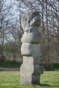 Hans Kock: Große Granitstele