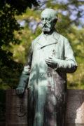 Heinrich Mißfeldt: Klaus-Groth-Denkmal