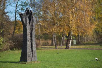 Magdalena Abakanowicz: Handlike Tree – Figura Ultima, (Foto: KUNST@SH/Jan Petersen, 2016)