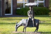 Ursula Querner: Frau und Esel