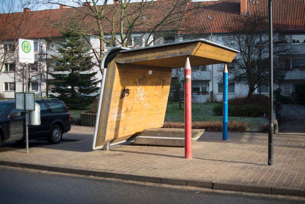 Uwe Gripp: Buswartehäuschen Modell Schulbuch, (Foto: KUNST@SH/Jan Petersen)