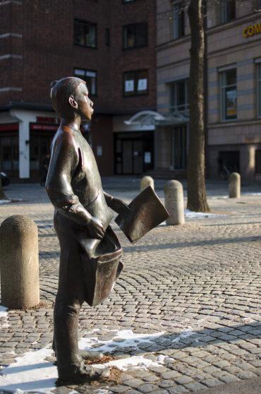 Frauke Wehberg: Zeitungsjunge, (Foto: KUNST@SH/Jan Petersen)